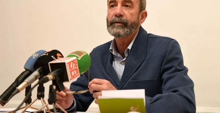 """Santiago Pérez denuncia un uso """"fraudulento"""" de los contratos menores"""