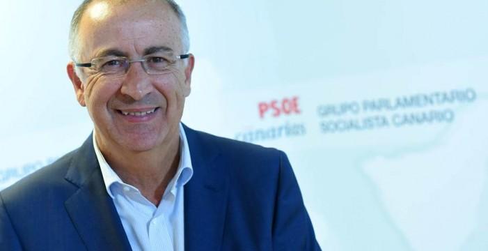 """Francisco Hernández Spínola: """"Es posible un pacto del PSOE con Podemos y Ciudadanos"""""""