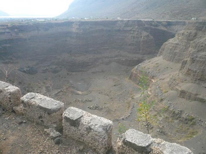 Imagen de una de las canteras de áridos en el Valle de Güímar. | DA