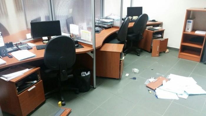 Detalle de los despachos en una de las naves asaltadas. / DA