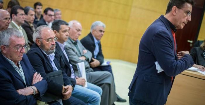 Reverón admite que concedió licencias con informes negativos