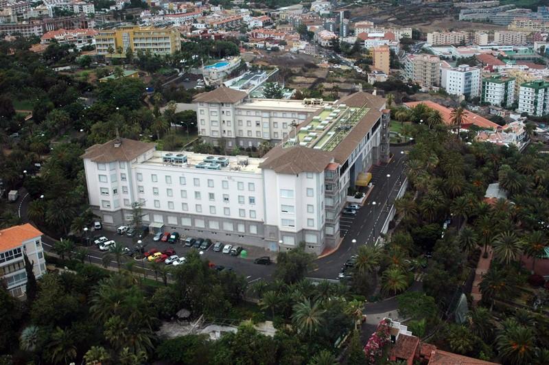 El emblemático edificio se convirtió en el primer gran hotel de España a finales del siglo XIX. / M. P. P.