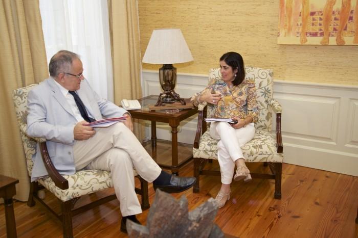 Daniel Cerdán despacha con la presidenta del Parlamento de Canarias, Carolina Darias