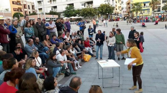 Concentración en El Médano contra el hotel de La Tejita. | IU