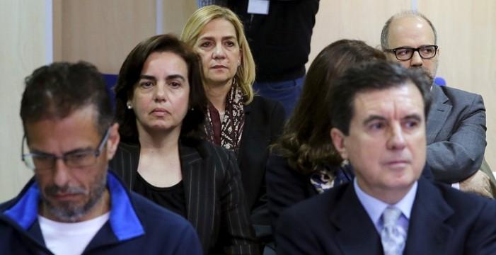 Un dictamen aportado por la Infanta estima que se lucró con 347.712 euros y apela a su restitución