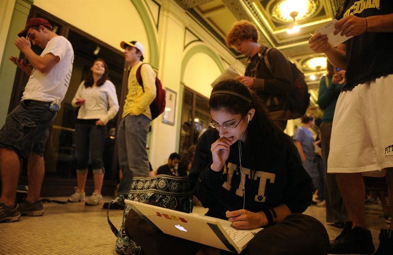 Los empresarios reclaman que la Universidad adapte la formación a lo que demanda el mercado laboral. / EP