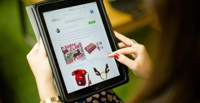 Los canarios se gastaron más de 1.500 euros en compras online en 2015