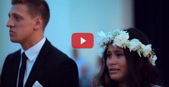 Impresionante Haka emociona a una pareja en su boda