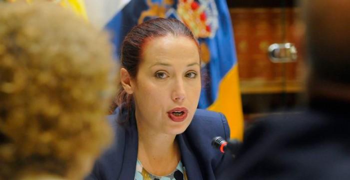 """La vicepresidenta canaria pide a los diputados que no den una """"tabla de salvación"""" a Rajoy"""