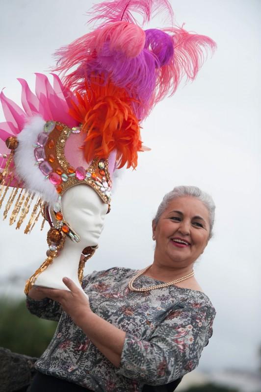 Santa Cruz de Tenerife 28.01.16.-  Entrevista a la reina de la Tercera Edad del carnaval 2016.