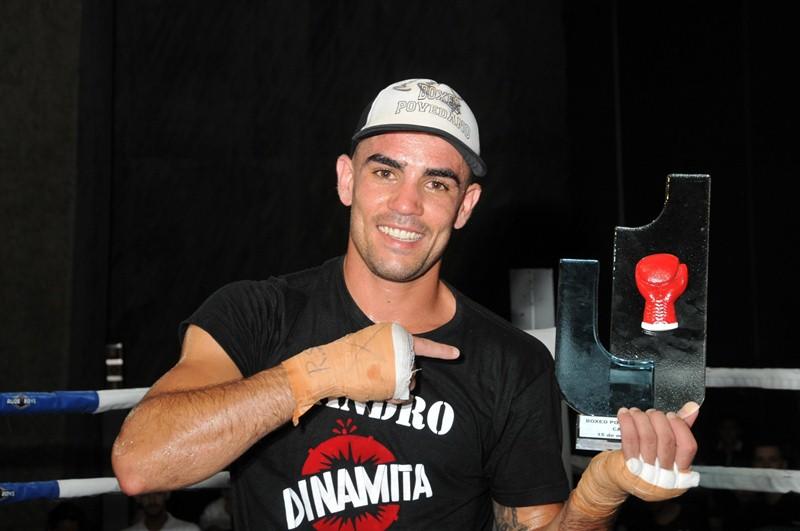 Sandro Domínguez, después de su triunfo por nocáut ante Jesús García Simón. / gerard zenou