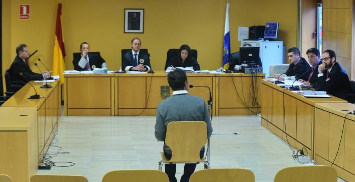 Francisco Javier del Rosario no firmó el acuerdo y se mantiene como único acusado