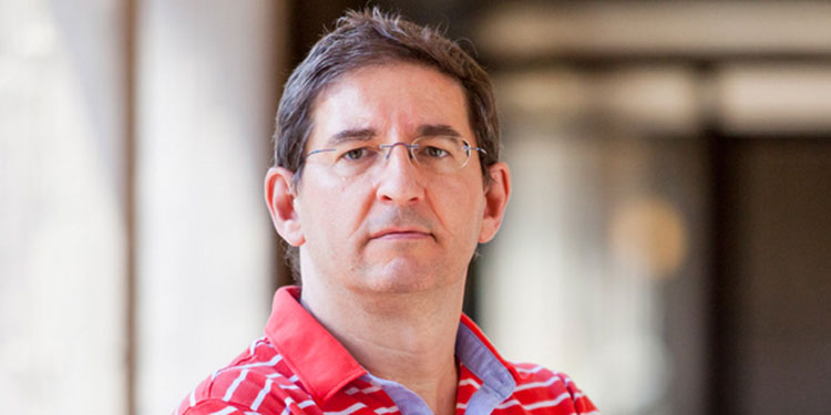 Vicente Navarro.  Profesor de Dcho. Constitucional  y Ciencia Política de la ULL