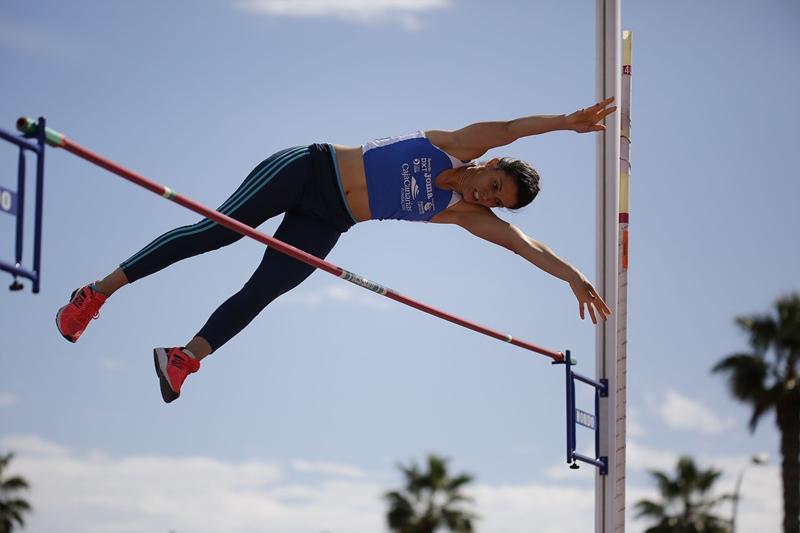 Adriana Domínguez (Tenerife CajaCanarias), ganadora en la pértiga. / deporsiete