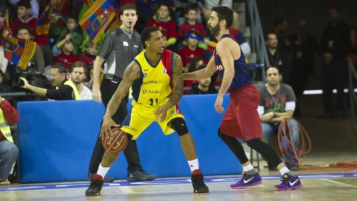Betinho es defendido por Juan Carlos Navarro en el pasado FC Barcelona- MoraBanc Andorra| ACB MEDIA
