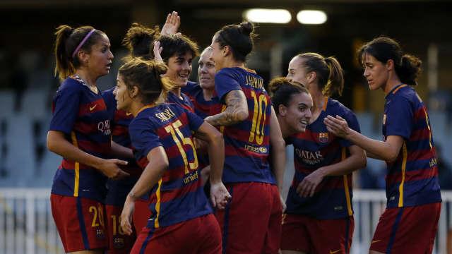 Las jugadoras del FC Barcelona celebran uno de los goles anotados ante el Oviedo Moderno FCB
