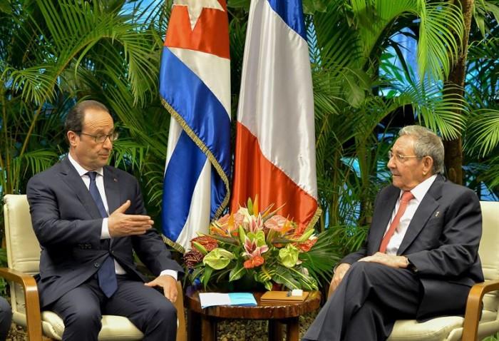 "Castro devuelve así la ""histórica"" visita de Hollande a Cuba. / REUTERS"