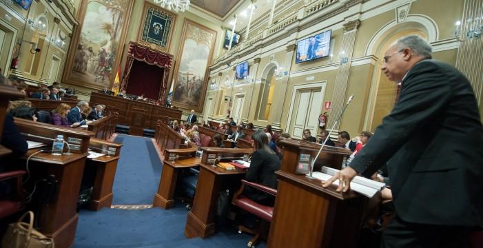 La oposición en bloque pide que  el Estatuto regrese al Parlamento
