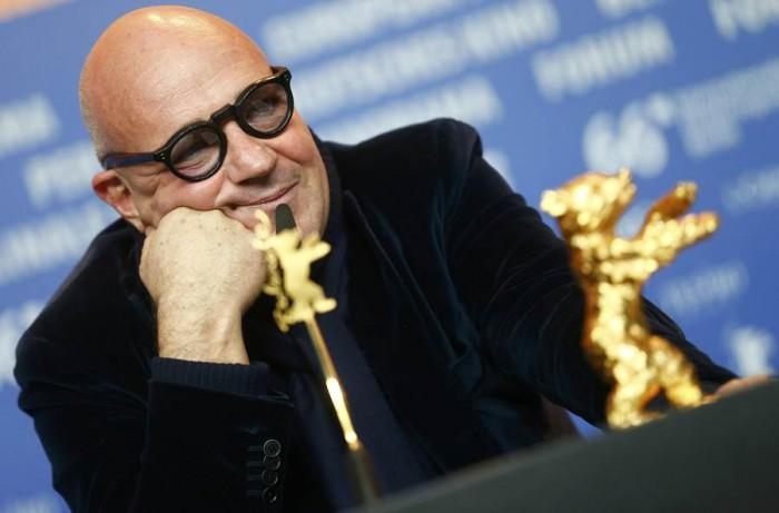Gianfranco Rosi, ganador del Oso de Oro de la Berlinale por 'Fuocoammare'. | REUTERS