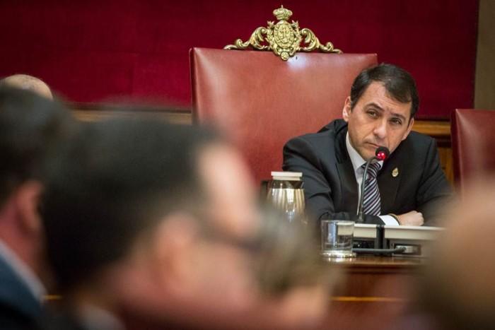 El alcalde, José Manuel Bermúdez, durante el pleno celebrado ayer en el Ayuntamiento capitalino. | ANDRÉS GUTIÉRREZ