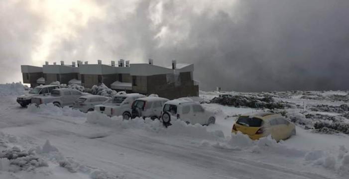 Imágenes del Roque de Los Muchachos completamente nevado