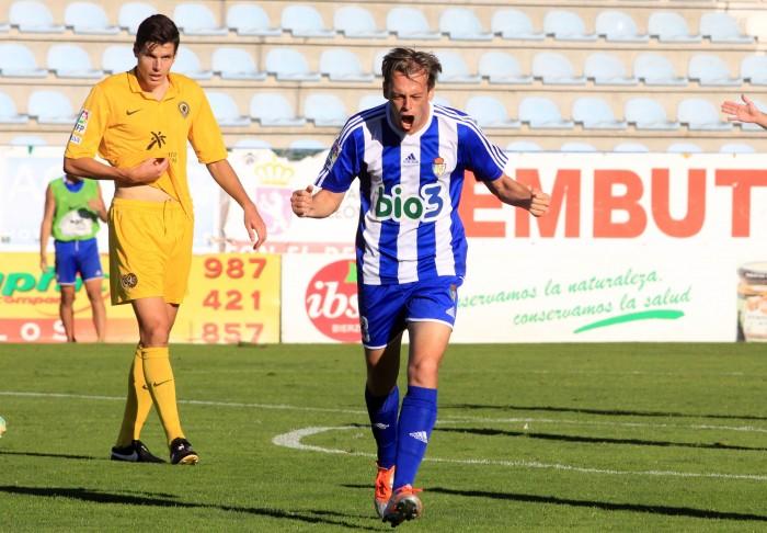 El jugador celebra un gol conseguido en su etapa en la Ponferradina| T.A.