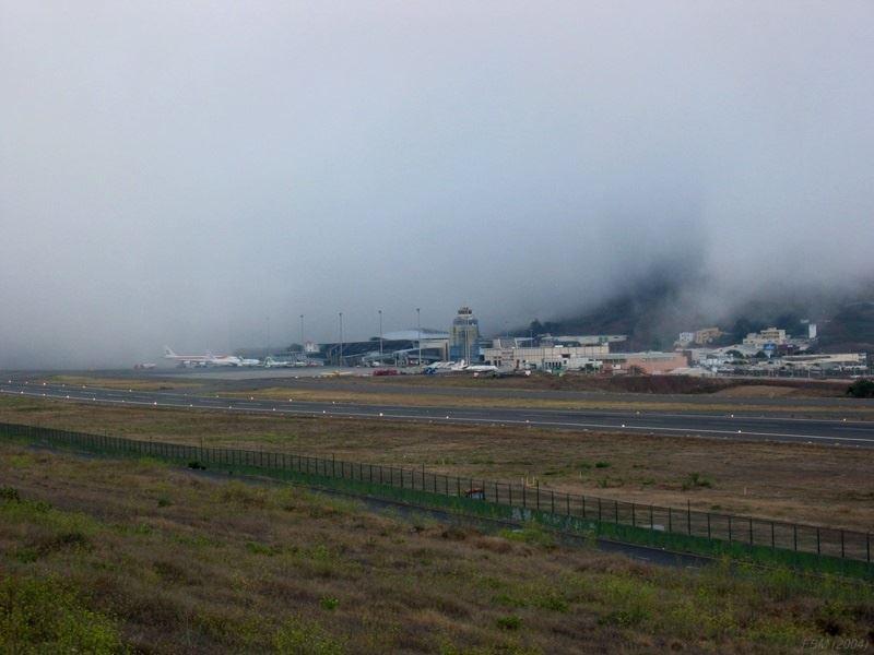 Niebla en el aeropuerto Tenerife