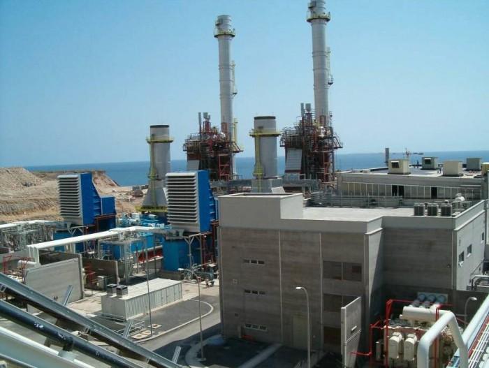 Central de ciclo combinado de Las Caletillas, que usará gas cuando se pueda introducirse en la Isla / DA
