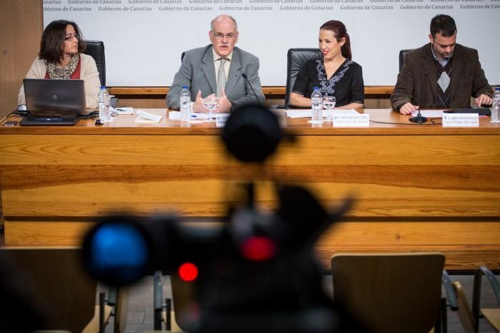 Teófilo González, Patricia Hernández y Aarón Afonso. / ANDRÉS GUTIÉRREZ