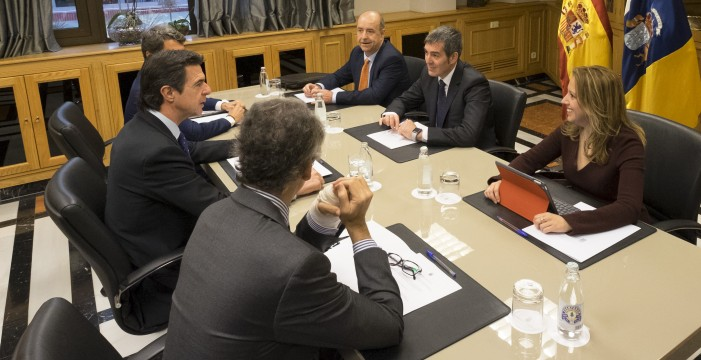 Soria y Clavijo quieren firmar el nuevo REF con el Gobierno estatal en funciones