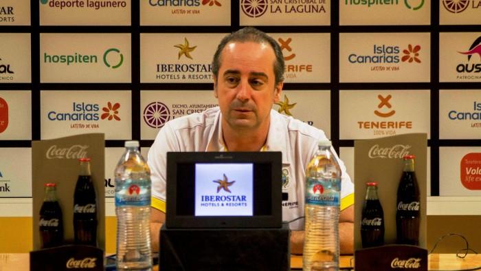 Txus Vidorreta, en la rueda de prensa que ofreció ayer. / DA