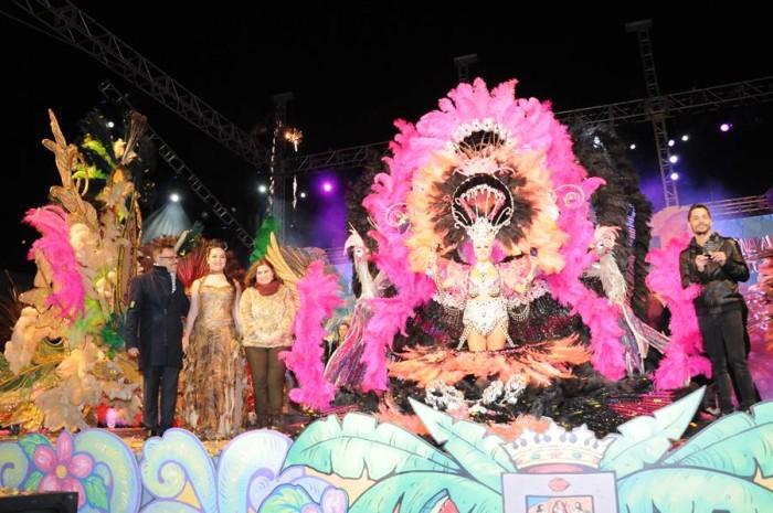 Sara Aragón lució una fantasía creada por Daniel Pages, doble ganador en el Carnaval chicharrero. | DA