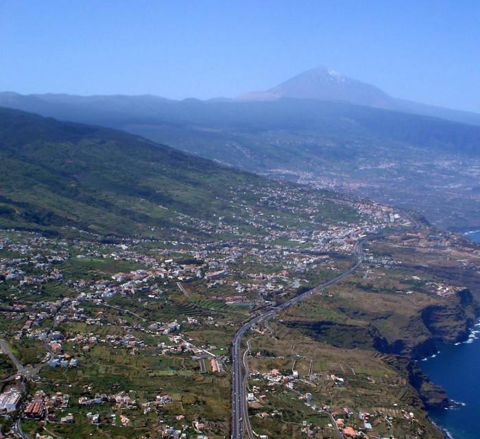Vista del Norte de Tenerife, una zona de intensa urbanización donde se producen 'tensiones' entre el suelo rústico y el urbanizable. / MOISÉS PÉREZ