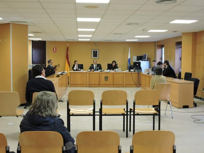 Del Rosario escucha el interrogatorio a una testigo / NORCHI