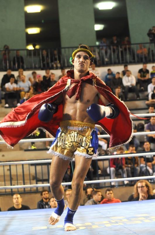 Carlos Araya, en un combate anterior celebrado en el Pancho Camurria. SERGIO MÉNDEZ