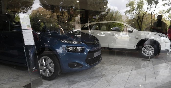 Canarias se decanta por vehículos menos contaminantes en 2015