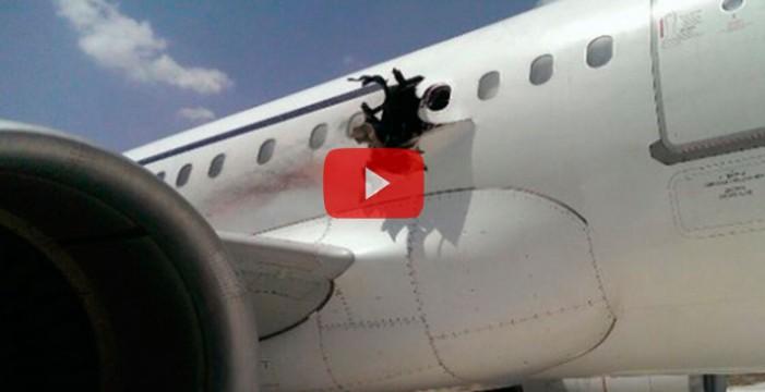 Una explosión en pleno vuelo obliga a un avión comercial a aterrizar de emergencia en Somalia