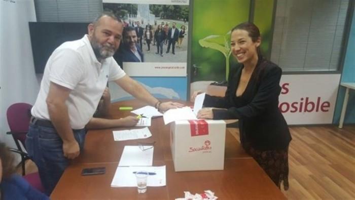 Patricia Hernández vota el pacto con Ciudadanos