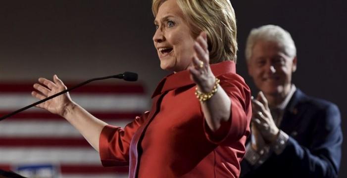 Hillary Clinton gana las primarias en Carolina del Sur, según las proyecciones de varios medios