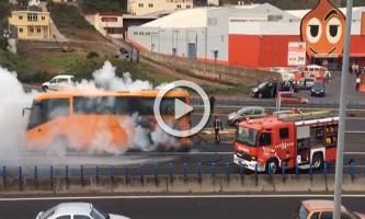 Arde una guagua en mitad de la autopista TF-5