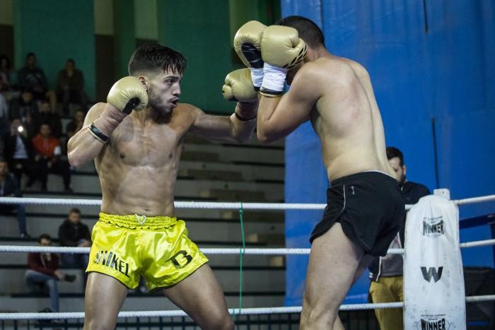 Maikel García (izquierda) en su combate ante Abdo Chahidi. / ANDRÉS GUTIÉRREZ