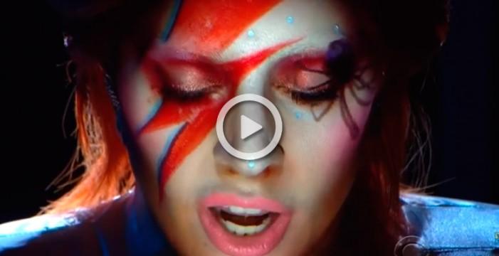 El homenaje a David Bowie de Lady Gaga en los Grammy