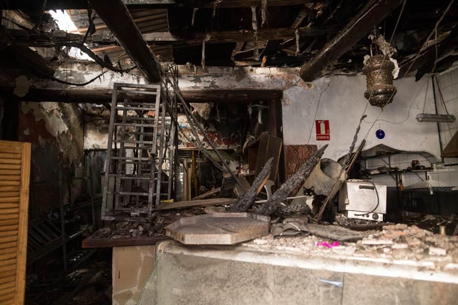 Aspecto que presenta en la actualidad el interior del local, tal y como quedó tras el incendio ocurrido hace casi dos años. | ANDRÉS GUTIÉRREZ