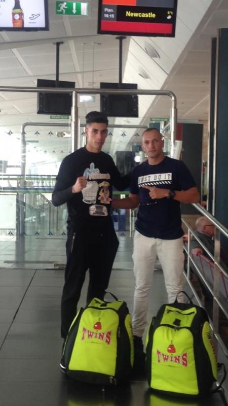 Nauzet Trujillo y Dani Rivero, ayer antes de partir hacia Newcastle. / DA