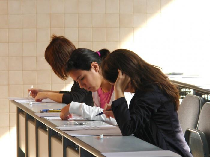Muchos estudiantes dejan la universidad durante el primer curso. / DA