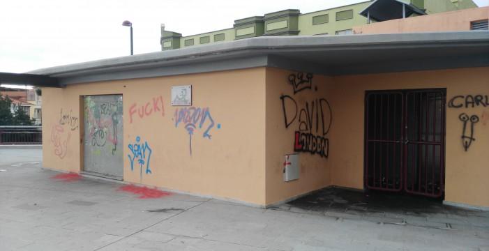 Critican el deterioro y la falta de limpieza en pleno casco municipal