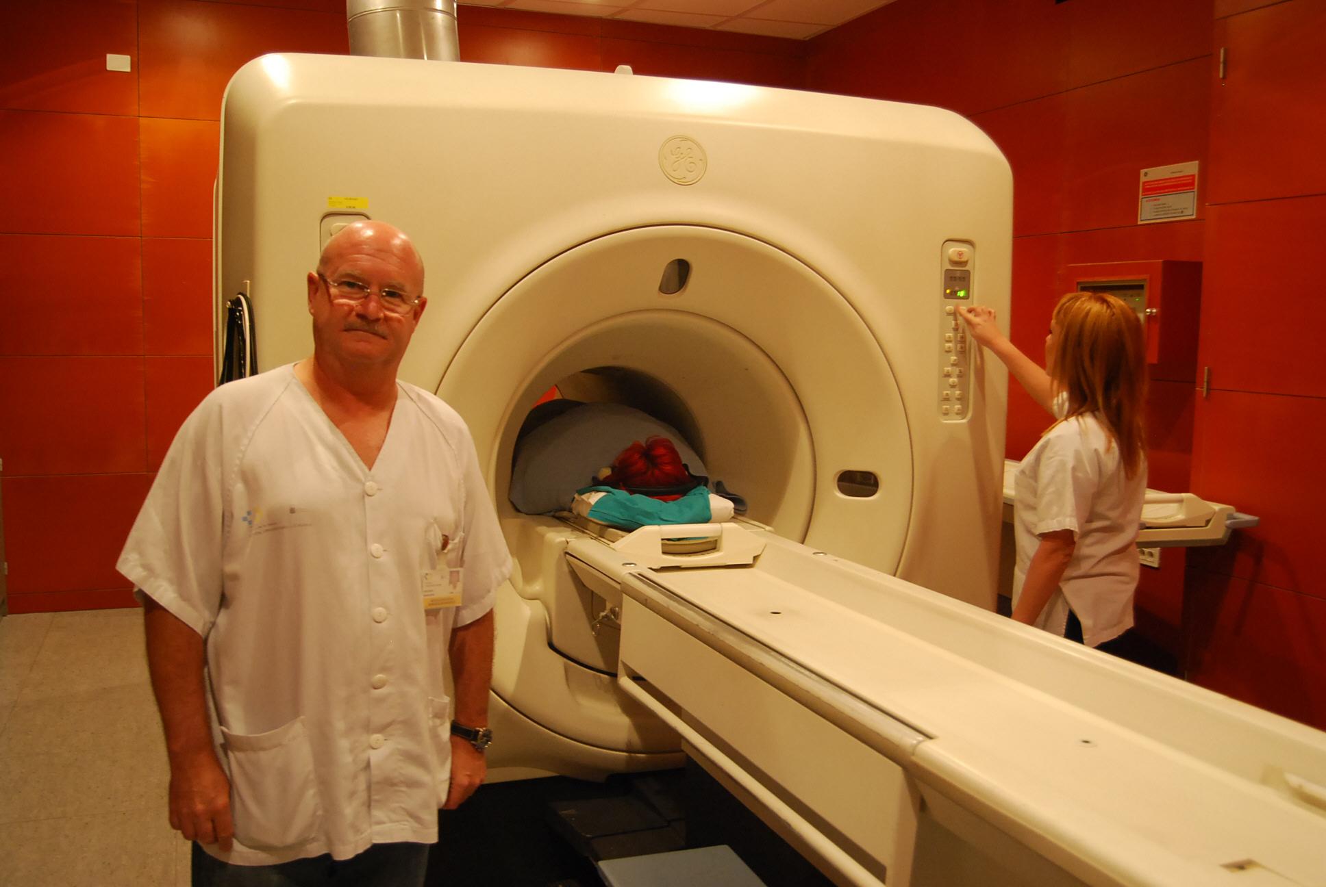 El doctor José Ramón Muñiz es uno de los radiólogos del Servicio de Radiología del Hospital Universitario de Canarias. / CEDIDA