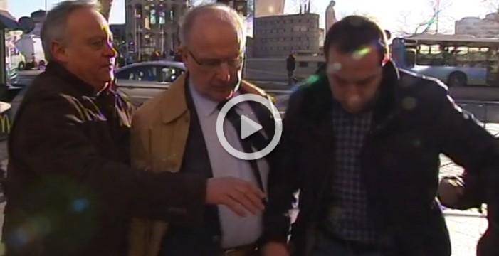 Rato, increpado a su llegada a los juzgados de Plaza de Castilla