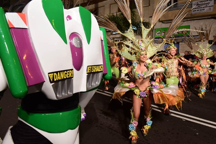 Imágenes de la Cabalgata del Carnaval chicharrero. | SERGIO MÉNDEZ