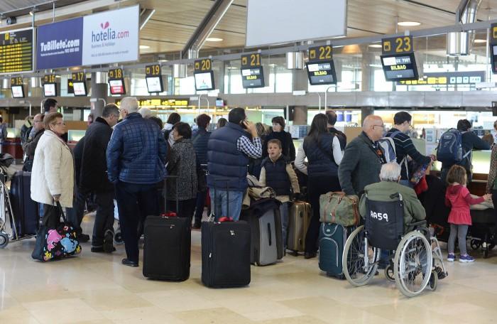 Zona de facturación del aeropuerto de Los Rodeos. / SERGIO MÉNDEZ